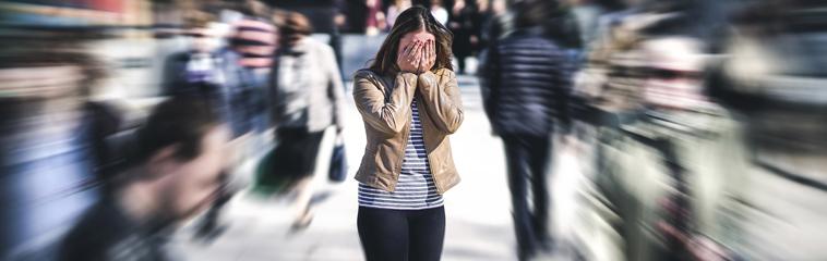 Miedo al miedo: cuando el cerebro entra en pánico. Artículo de Fermín Goñi. Revista ZonaHospitalaria